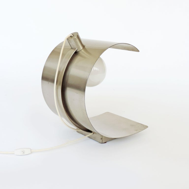 Cignus steel table lamp by G. Gorgoni and G. Grignani for Greco, Italy, 1970s.