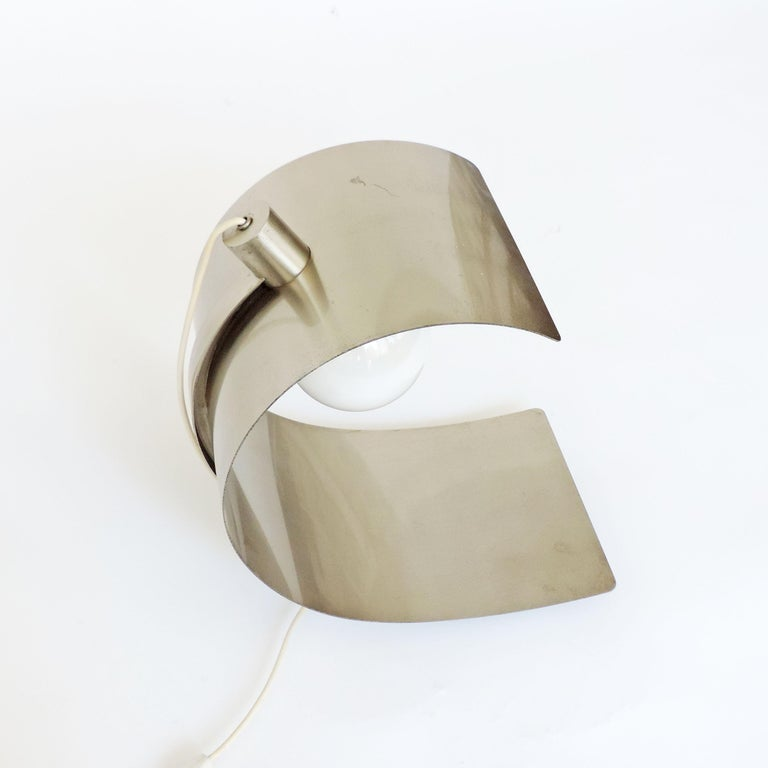 Italian Cignus Steel Table Lamp by G. Gorgoni and G. Grignani for Greco, Italy, 1970s For Sale