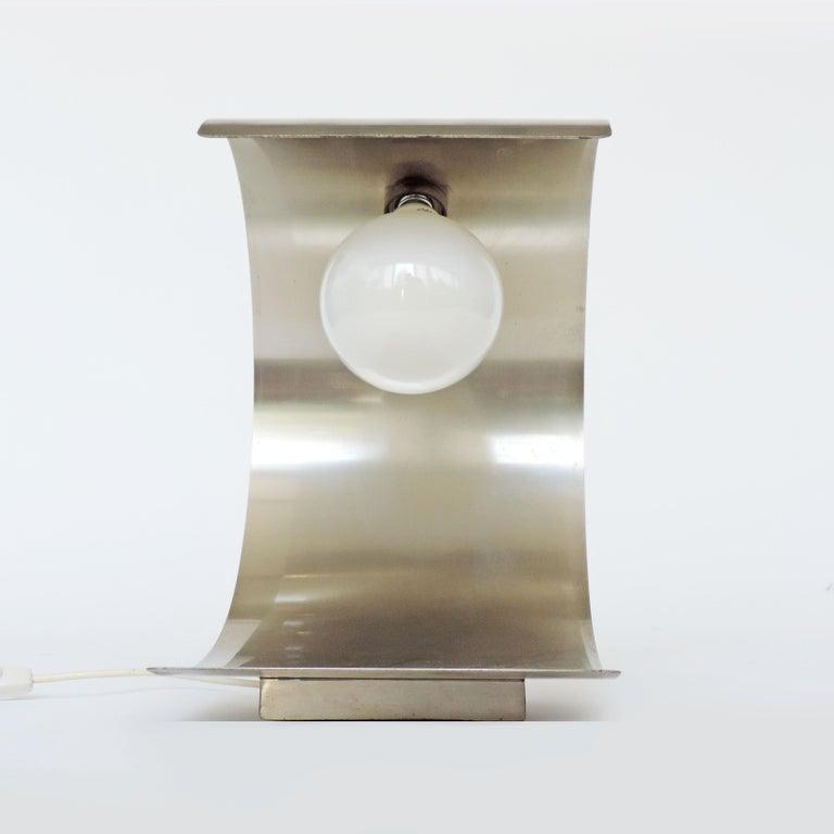 Cignus Steel Table Lamp by G. Gorgoni and G. Grignani for Greco, Italy, 1970s In Good Condition For Sale In Milan, IT