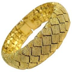 Ciner Basketweave Gold Gilt Bracelet, Never Worn 1990s