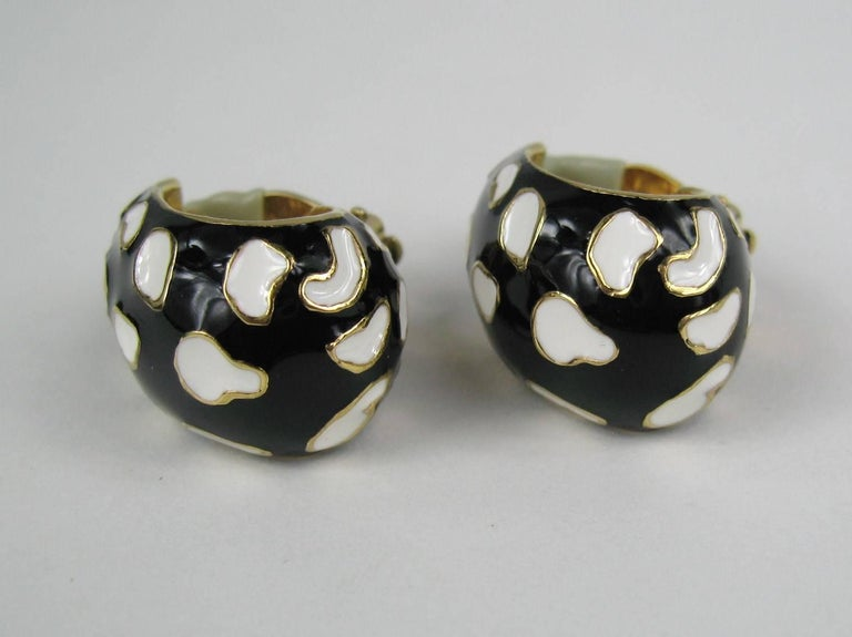 Ciner Enameled Black & White Gold  Earrings New, Never worn 1980s In New Condition For Sale In Wallkill, NY