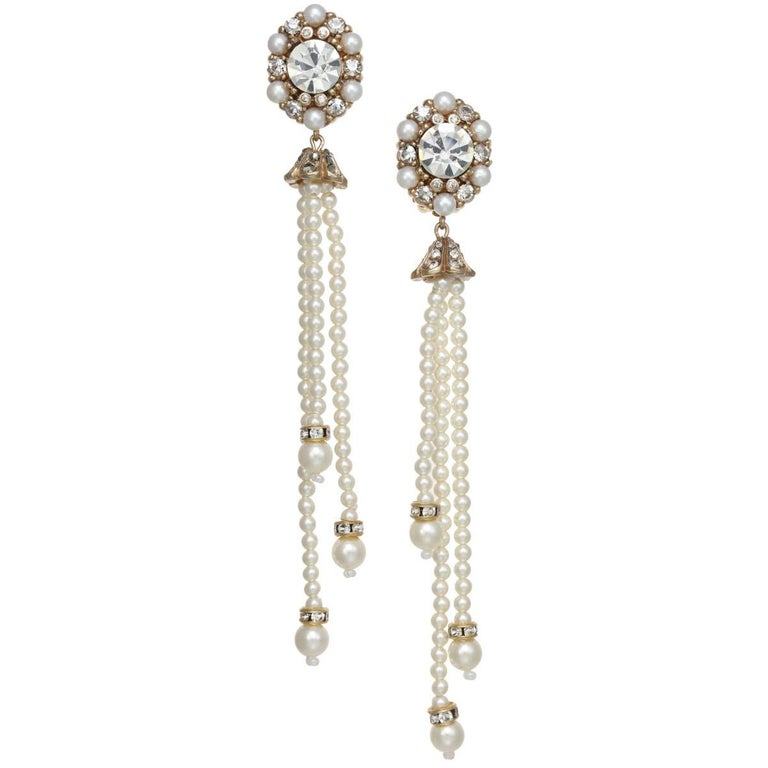 Two of our favorite things! Pearls and Tassels, A CINER favorite, the Pearl Tassel earrings offer the perfect amount of chic sophistication.  PLEASE NOTE: The pieces available are not vintage and are not reproductions. CINER uses original models to