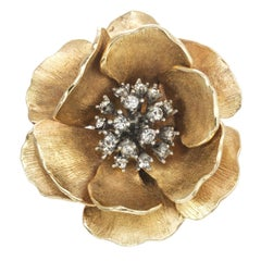 CINER Textured Gold Blooming Flower Pin
