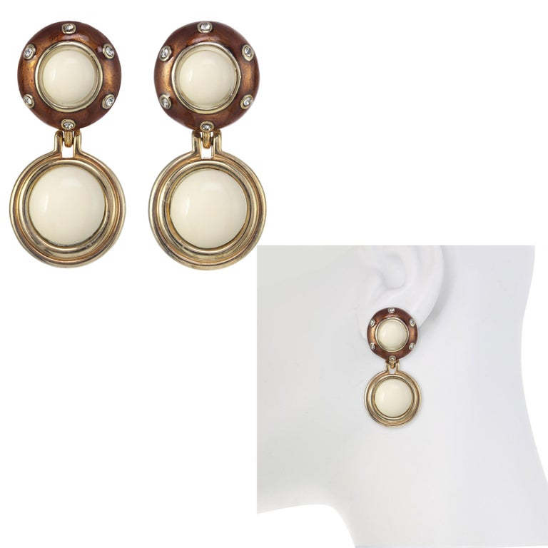Contemporary CINER Tortoise Enamel and Painted Ivory Cabochon Rhythm Button Clip Earring