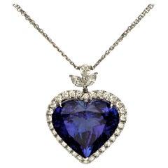 Cirari 31.83 Carat Tanzanite and Diamond 18 Karat White Gold Heart Necklace