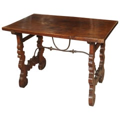 Italian Walnut Wood Writing Table, circa 1750