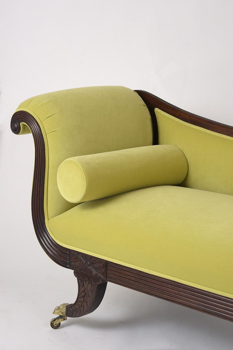 Empire Style Flemish Mahogany Chaise Lounge, circa 1800s In Good Condition For Sale In Los Angeles, CA