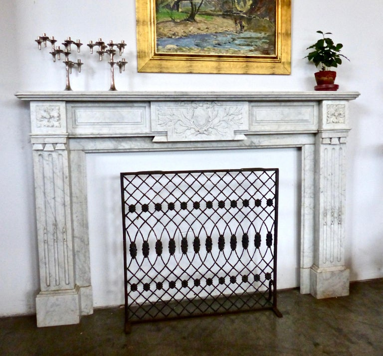 French Carrara Marble Louis XVI Fireplace Mantel Surround, circa 1860 For Sale 1