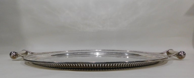 Large Vintage Oval English Silver Plated Serving Tray with Handles, circa 1890 For Sale 5