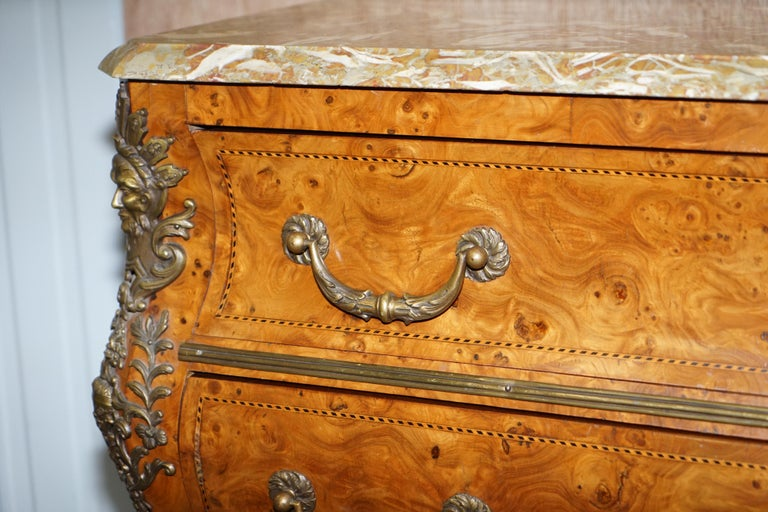 French Burr Walnut Bronze Fittings Marble-Top Bombe Chest of Drawers, circa 1900 For Sale 4