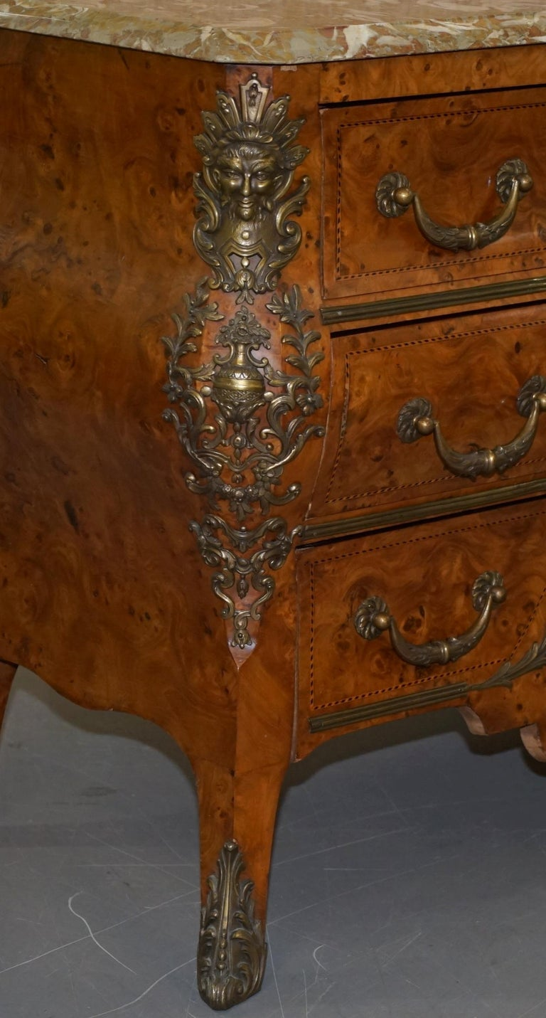 French Burr Walnut Bronze Fittings Marble-Top Bombe Chest of Drawers, circa 1900 For Sale 6