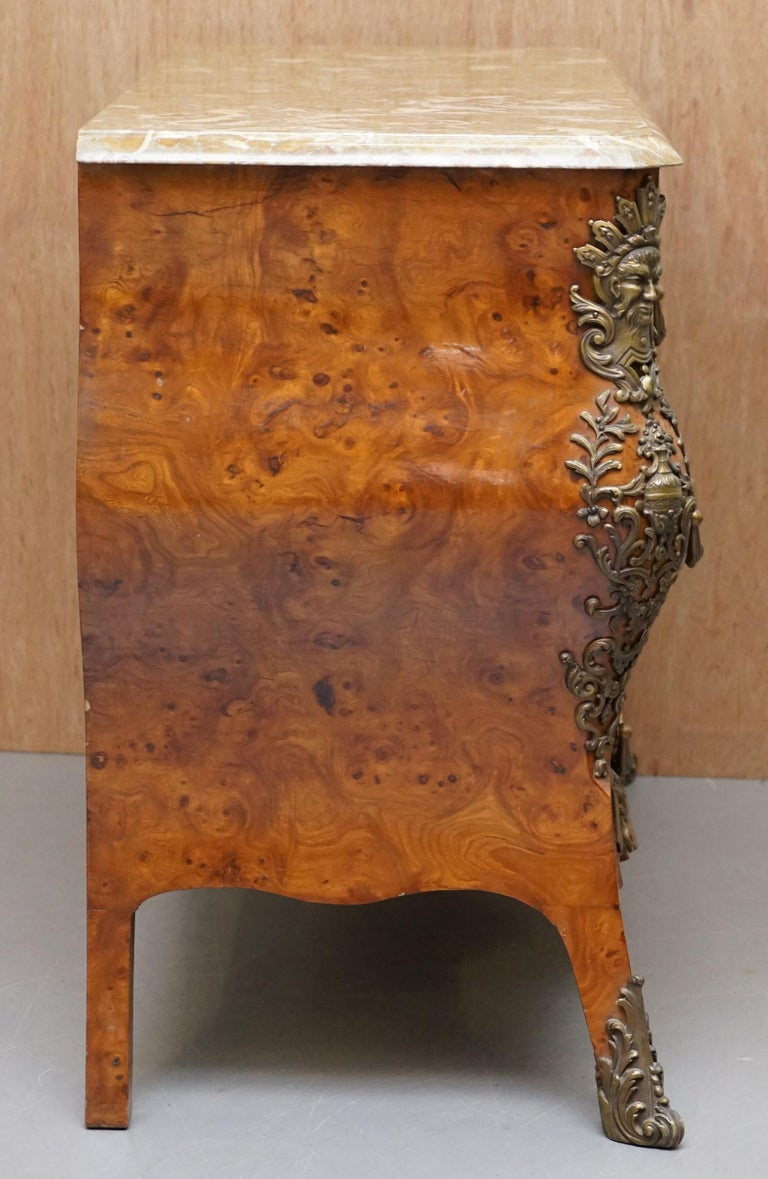 French Burr Walnut Bronze Fittings Marble-Top Bombe Chest of Drawers, circa 1900 For Sale 9
