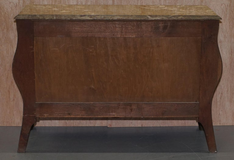 French Burr Walnut Bronze Fittings Marble-Top Bombe Chest of Drawers, circa 1900 For Sale 10