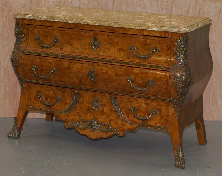 Edwardian French Burr Walnut Bronze Fittings Marble-Top Bombe Chest of Drawers, circa 1900 For Sale