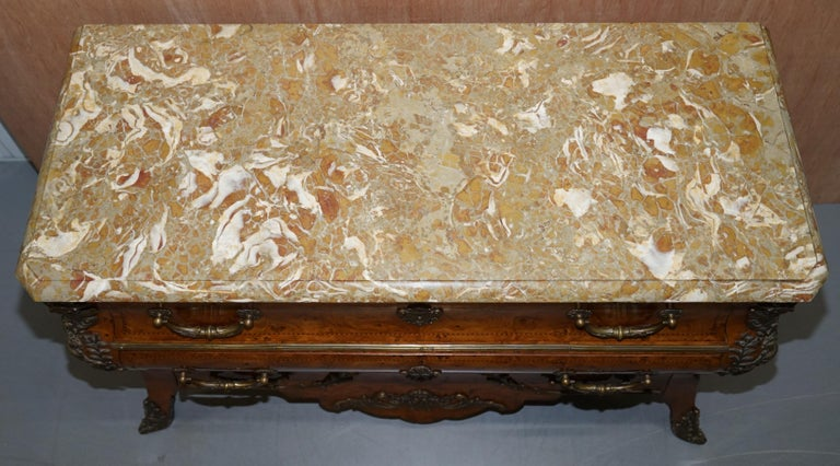 Hand-Crafted French Burr Walnut Bronze Fittings Marble-Top Bombe Chest of Drawers, circa 1900 For Sale