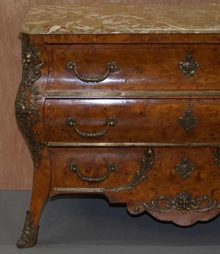 French Burr Walnut Bronze Fittings Marble-Top Bombe Chest of Drawers, circa 1900 For Sale 1