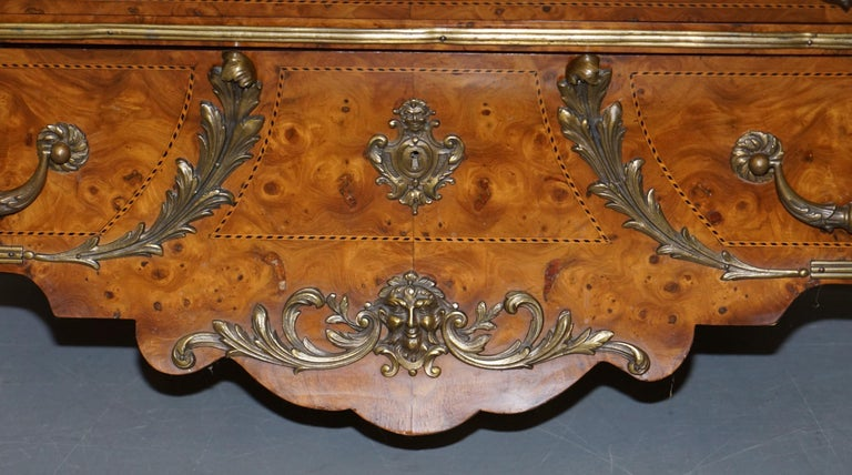 French Burr Walnut Bronze Fittings Marble-Top Bombe Chest of Drawers, circa 1900 For Sale 3