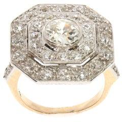 White Diamond 2.5 Carat Platinum and Yellow Gold Cluster Ring, circa 1910