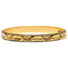 14 Karat Gold Engraved Thin Art Deco Vintage Wedding Band Floral, circa 1920s