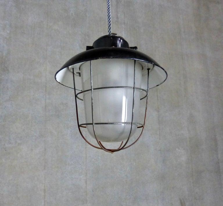 European Black Enamel Industrial Lights, circa 1930 For Sale 2