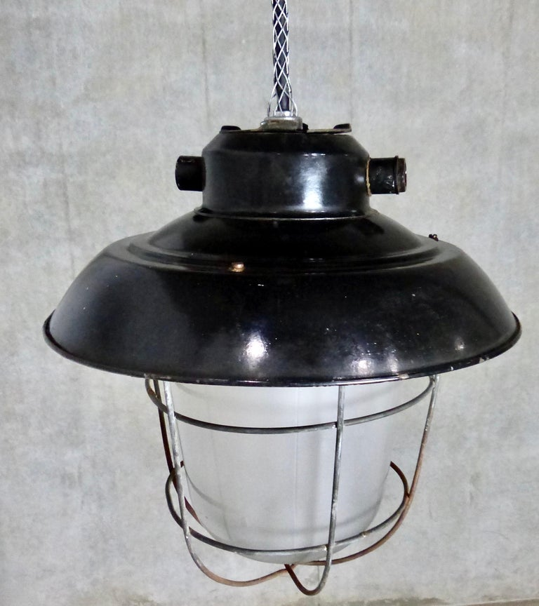 European Black Enamel Industrial Lights, circa 1930 For Sale 3