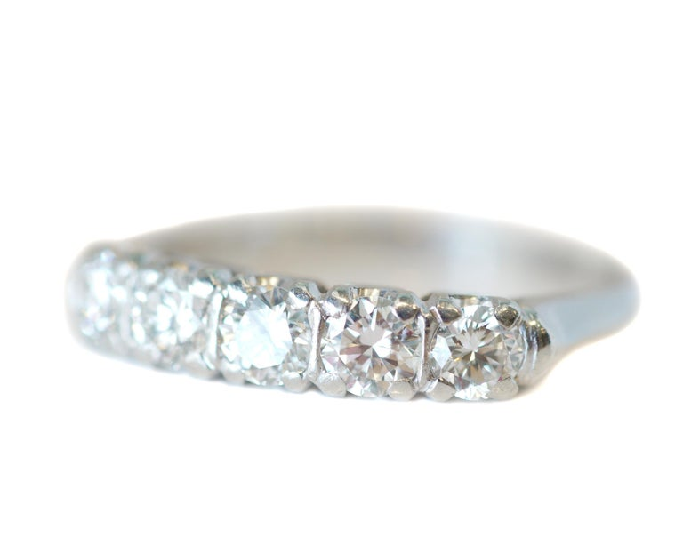Art Deco 1.0 Carat Diamond Platinum 5-Stone Band, circa 1940s For Sale