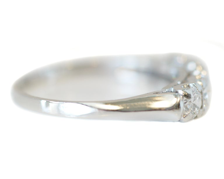 1.0 Carat Diamond Platinum 5-Stone Band, circa 1940s In Good Condition For Sale In Addison, TX