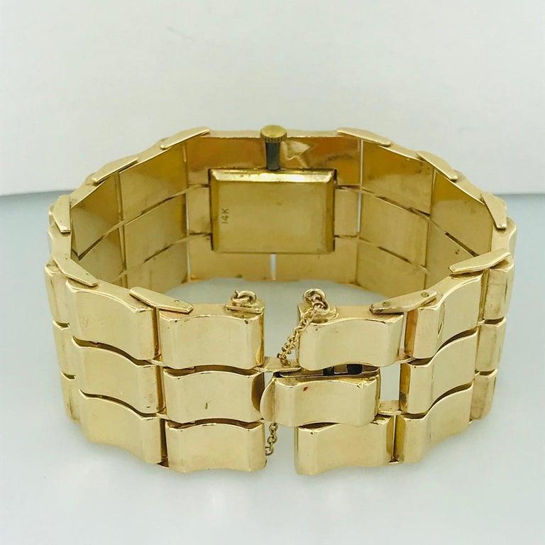 .65 Carat Diamond Ladies Vintage Dress Watch 14 Karat Yellow Gold, circa 1950 For Sale 2