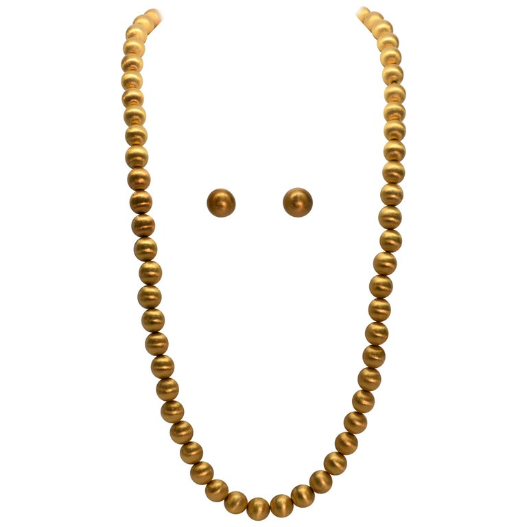 Brushed 18 Karat Gold Bead Necklace and Earring Set, circa 1950s For Sale