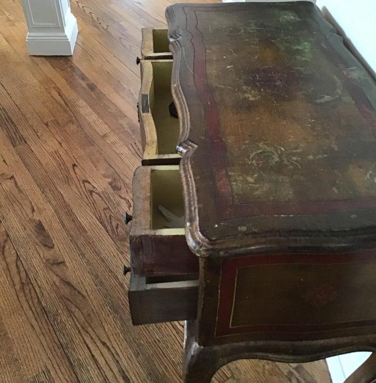 Italian Venetian Knee-Hole Desk, circa 1950s For Sale 1