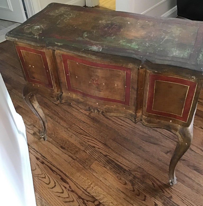 Italian Venetian Knee-Hole Desk, circa 1950s For Sale 3