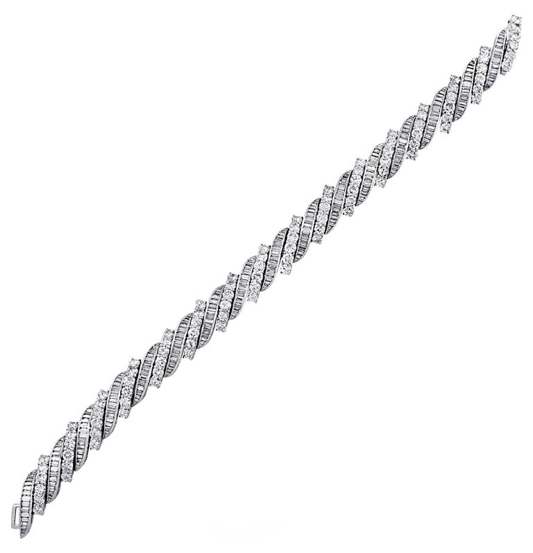 Modern 13 Carat Diamond Bracelet, circa 1960s For Sale