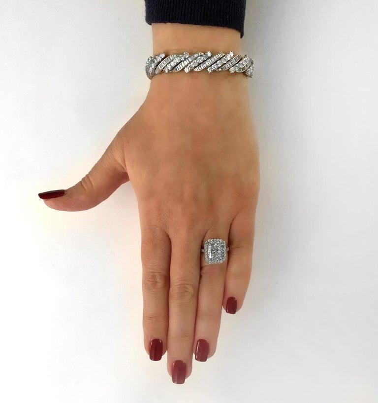 Round Cut 13 Carat Diamond Bracelet, circa 1960s For Sale
