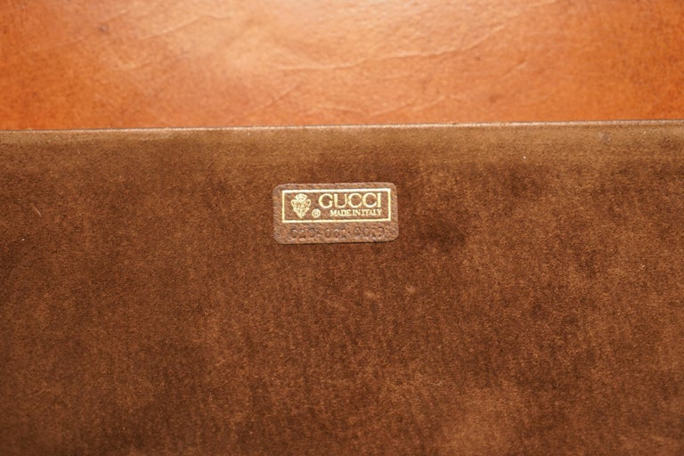 Gucci Brown Leather Brass Bucket Desk Stationary Set Pen Pad Write, circa 1960s For Sale 13