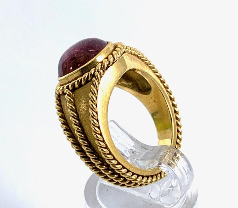 5 Carat Pink Tourmaline in Brushed 18 Karat Yellow Gold Signet Ring, circa 1970 For Sale 5