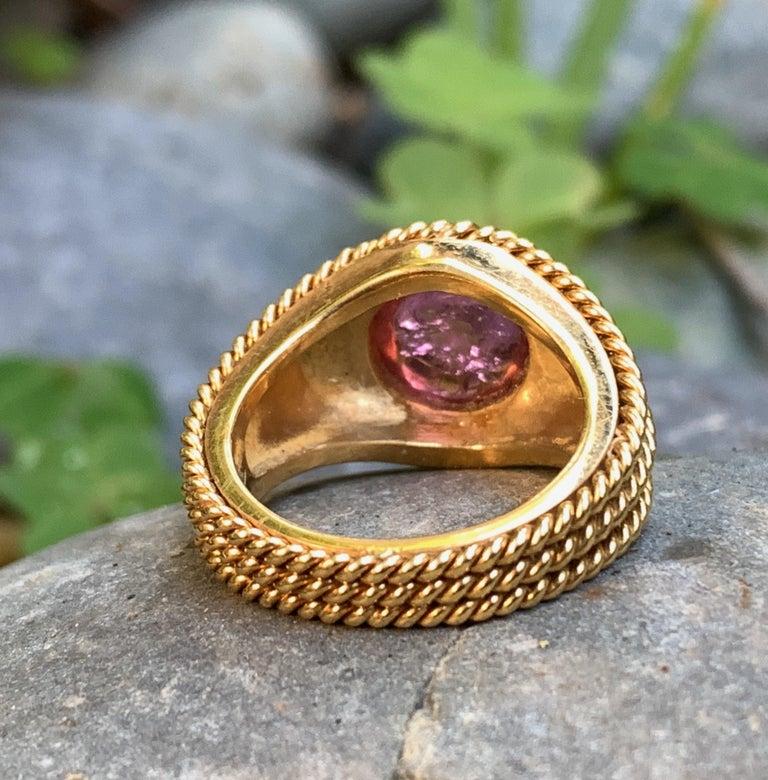 5 Carat Pink Tourmaline in Brushed 18 Karat Yellow Gold Signet Ring, circa 1970 For Sale 8