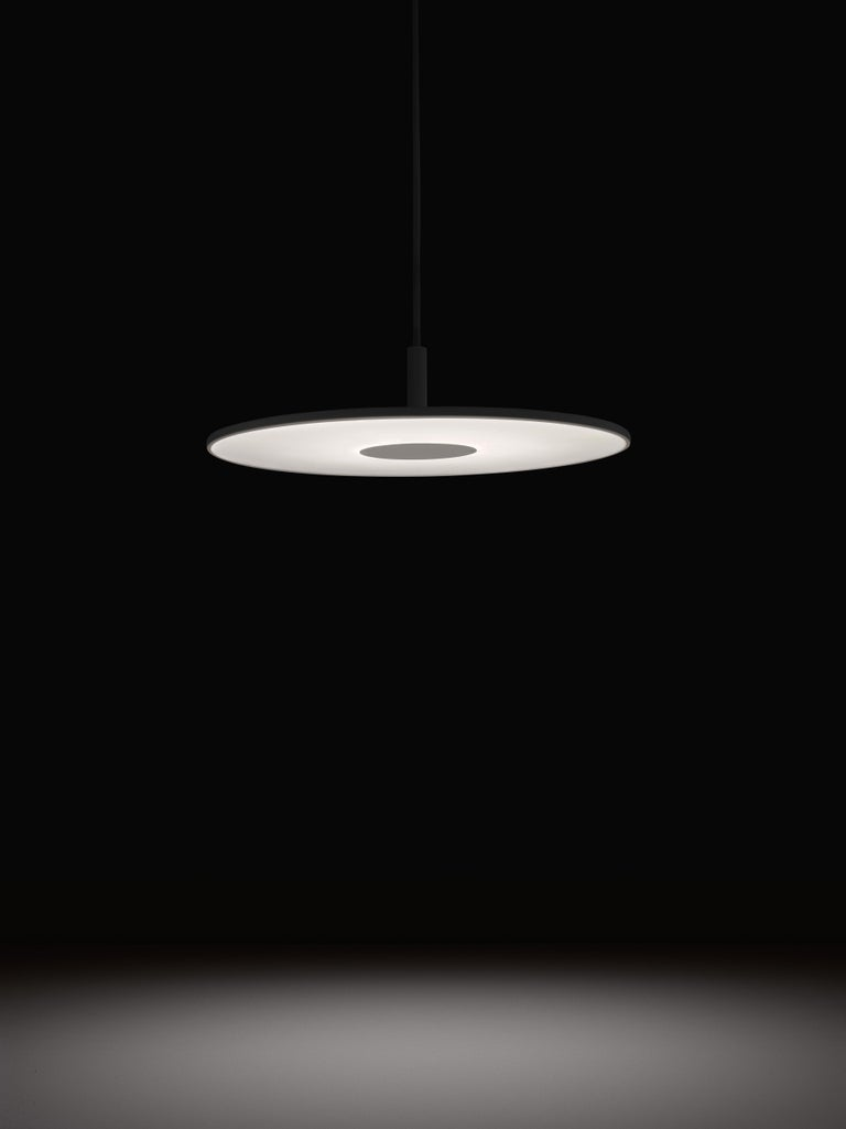 Circa's revolutionary flat-panel LED light source combines seamless movement with warm and balanced illumination. Through its 45° shade tilt and 360° rotation, Circa redefines the ambient lighting category. Circa is available in a wide range of