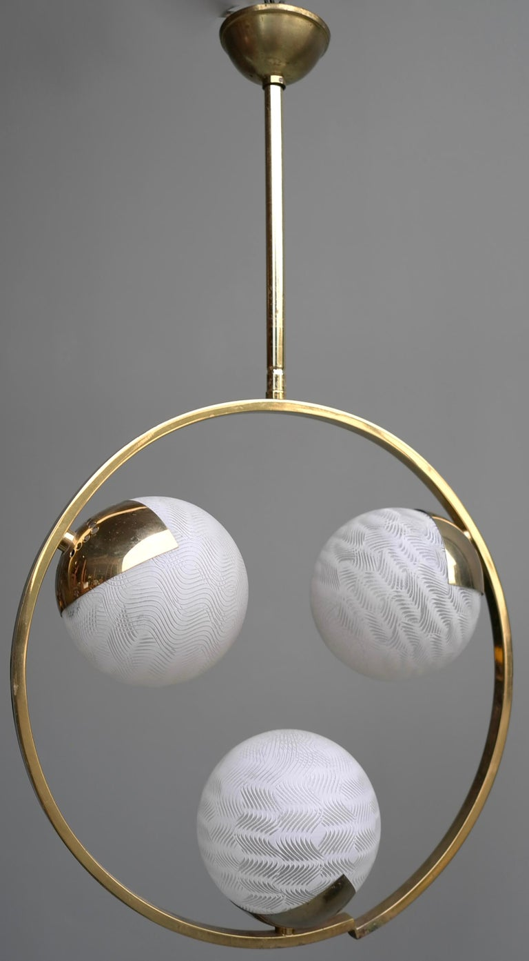 Circle Shaped Opaline Glass and Brass Pendant, Italy, attrib to Stilnovo, 1960s In Good Condition For Sale In The Hague, NL