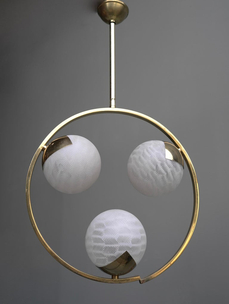 Circle Shaped Opaline Glass and Brass Pendant, Italy, attrib to Stilnovo, 1960s For Sale 1