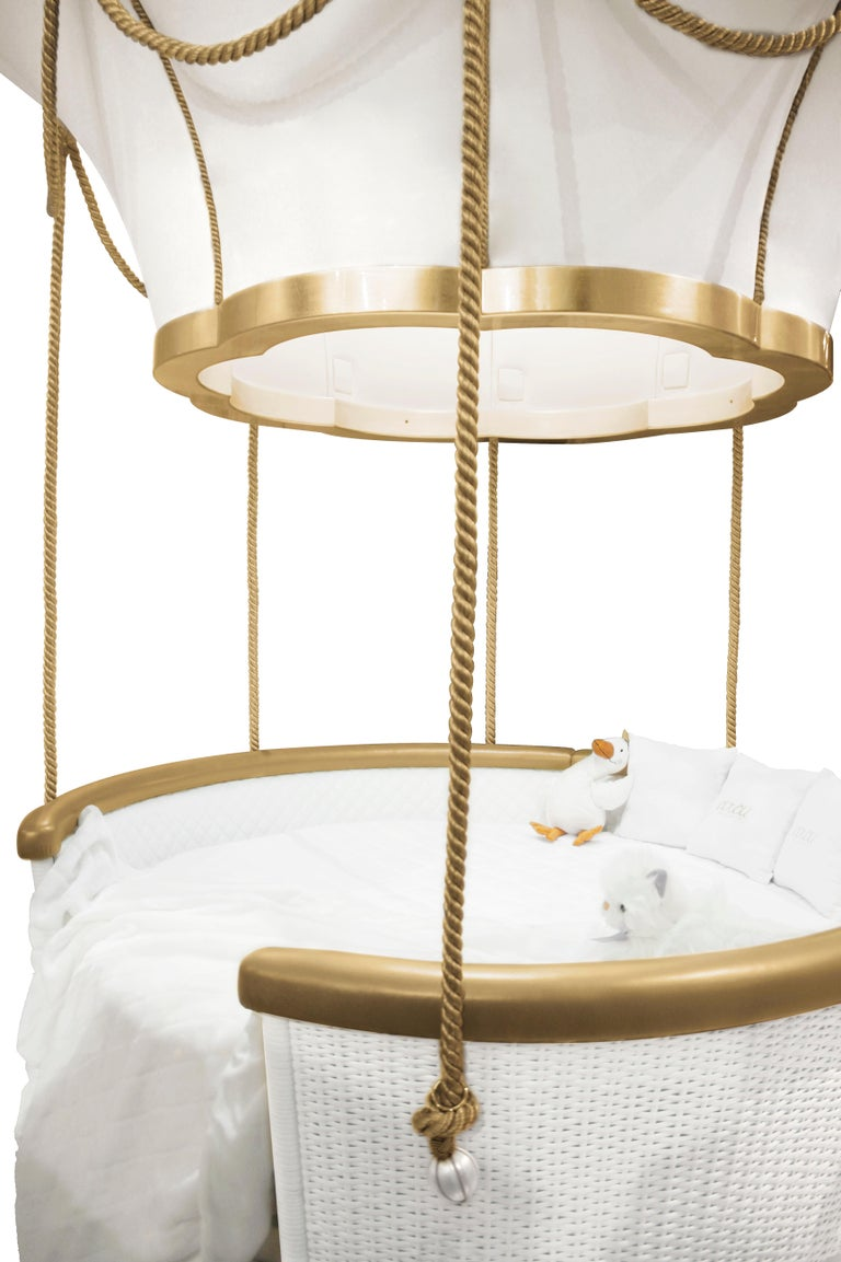 Fantasy Air Balloon Bed in White Wood with Side Drawers and Gold Details For Sale 1