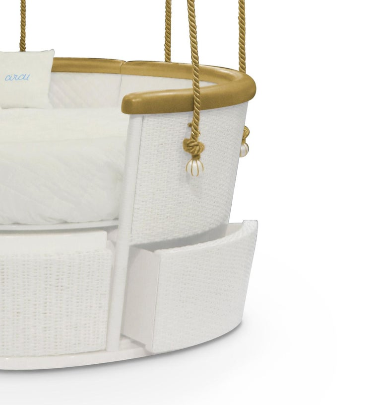 Fantasy Air Balloon Bed in White Wood with Side Drawers and Gold Details In New Condition For Sale In New York, NY