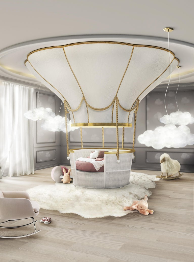 Fantasy Air Balloon Bed in White Wood with Side Drawers and Gold Details For Sale 3