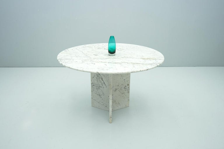 Circular Carrara Marble Dining Table, Italy, 1970s For Sale 1
