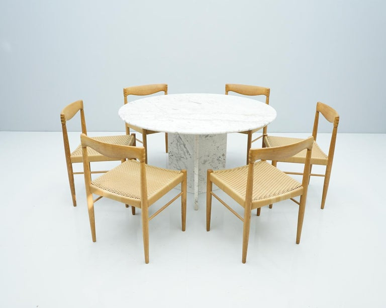 Circular Carrara Marble Dining Table, Italy, 1970s For Sale 2