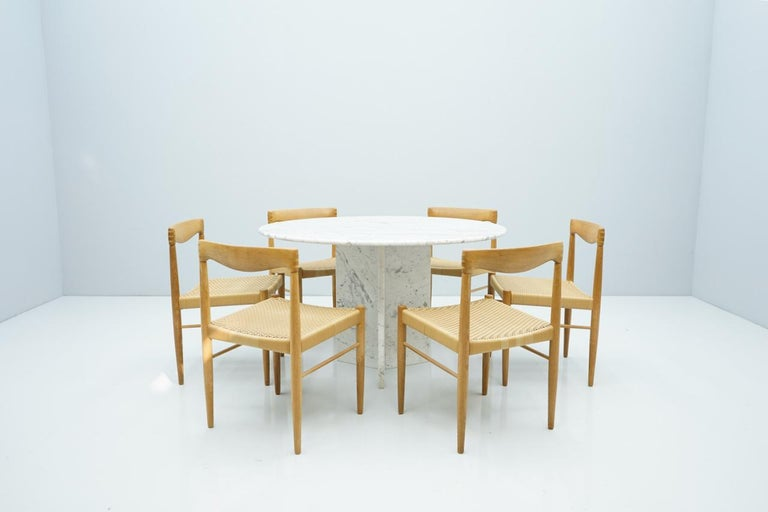Circular Carrara Marble Dining Table, Italy, 1970s For Sale 3
