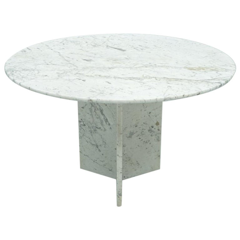 Circular Carrara Marble Dining Table, Italy, 1970s For Sale