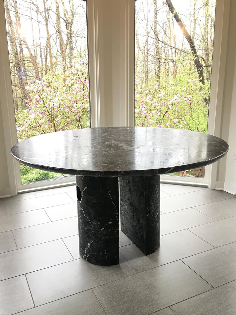 Circular Meta Dining Table in Black Marble by Phillip Jividen In New Condition For Sale In New York, NY