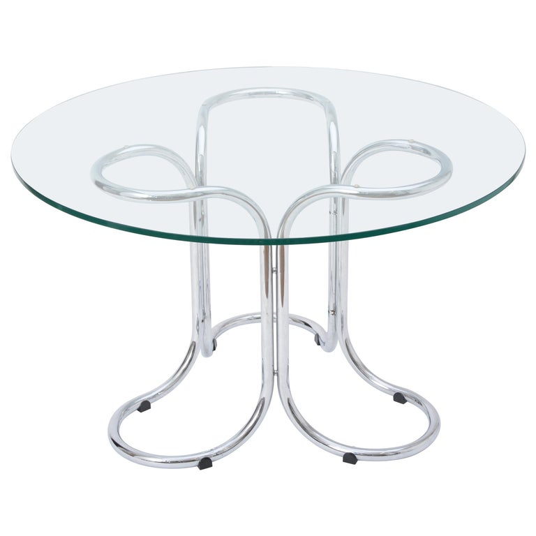 Circular Mid-Century Modern Glass Table in the Style of Giotto Stoppino For Sale