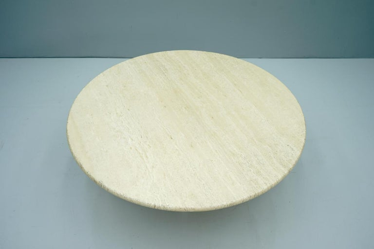 Circular Travertine Coffee Table, Italy, 1970s For Sale 1