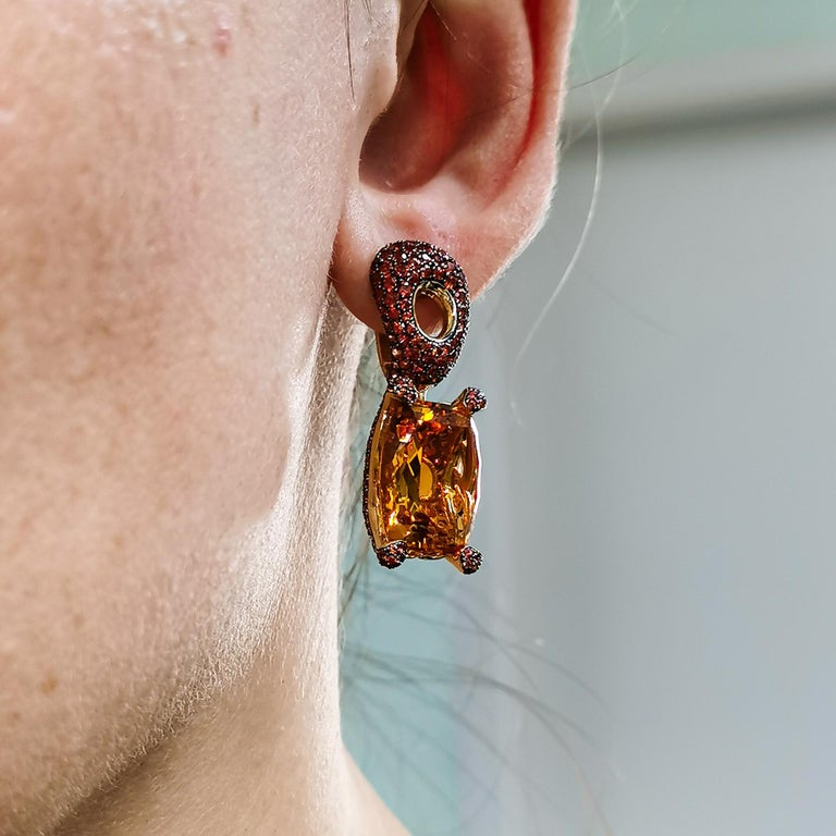Citrine 16.74 Carat Orange Sapphires 18 Karat Yellow Gold Earrings For Sale 4